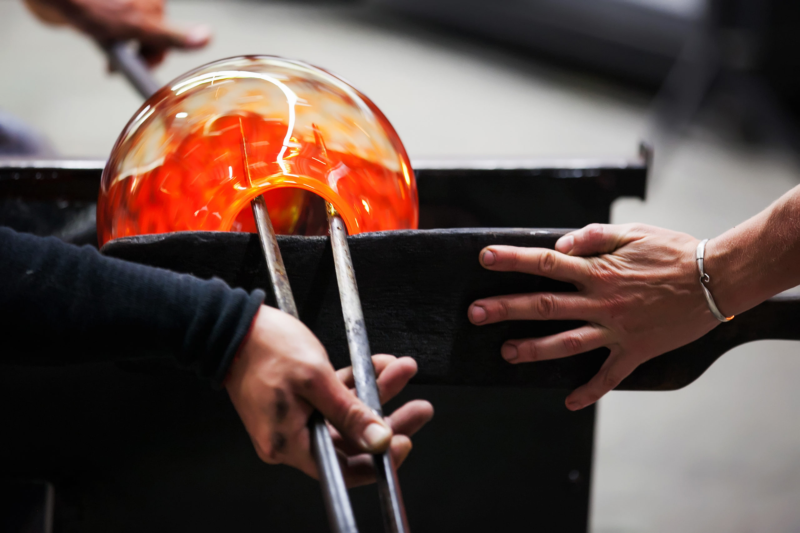 glass blowing in action, history of glass